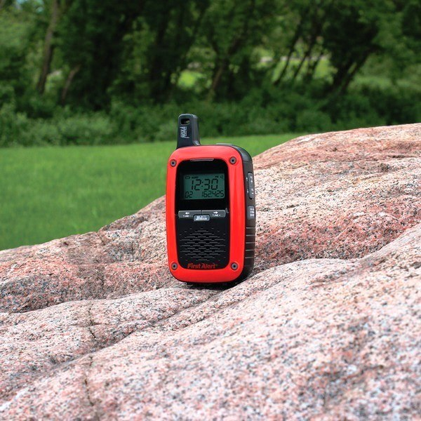 FIRST ALERT PORTABLE AM AND FM DIGITAL WEATHER RADIO WITH SAME WEATHER ALERT